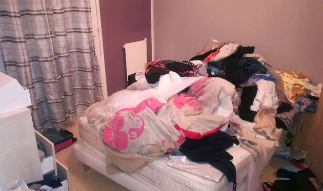 La chambre de l'appartement dans lequel se cachait Redoine Faïd à Creil, dans l'Oise, photographiée le...
