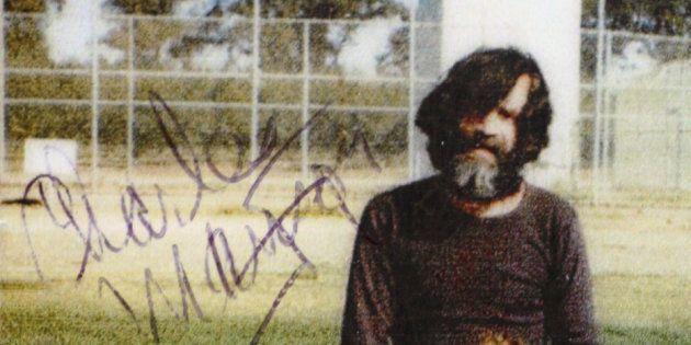 Charles Manson et son ami Eddie Ragsdale, en 1980 à la prison de