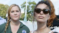 Amy Schumer et Emily Ratajkowski interpellées lors d'une manifestation contre