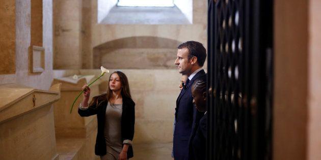 Macron annonce une Fondation pour la mémoire de l'esclavage, mais dit non à un