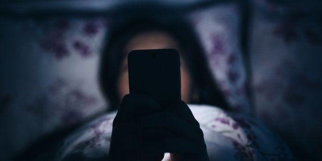 6 raisons pour lesquelles je suis accro à mon smartphone, et comment j'arrive à m'en