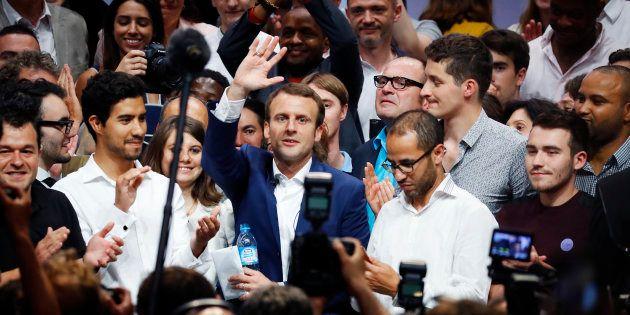 Emmanuel Macron, alors encore ministre de l'Economie, lors de son meeting de la Mutualité à