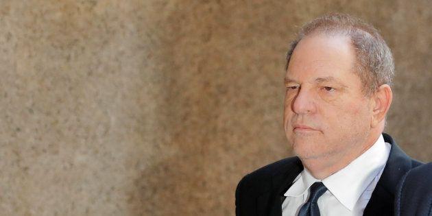 Le témoignage d'une femme qui accuse Harvey Weinstein de fellation forcée mis en