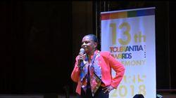 Taubira chante du Aznavour en recevant un prix de lutte contre