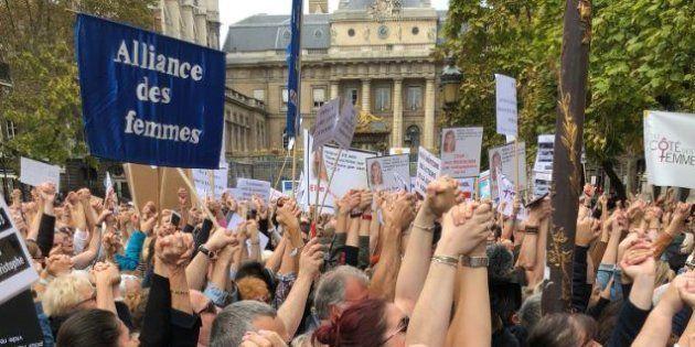 L'appel de Muriel Robin contre les violences conjugales a réuni des centaines de personnes
