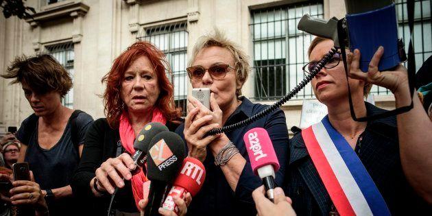 Muriel Robin lors d'une manifestation contre les violences conjugales à Paris le 6 octobre