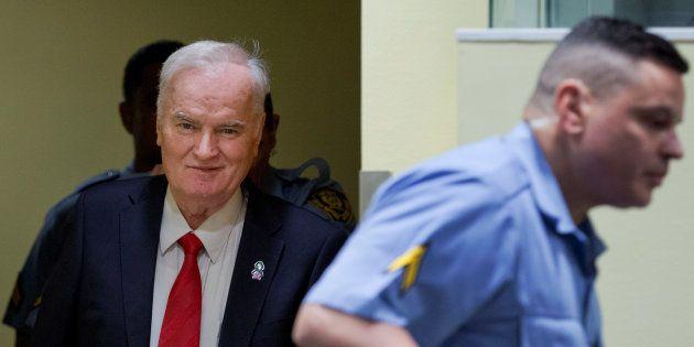 Ratko Mladic à son arrivée devant le tribunal pénal international spécial pour
