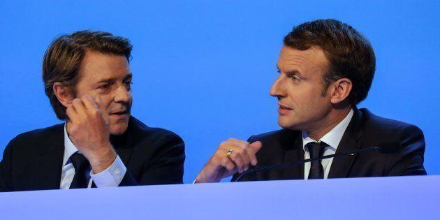 Emmanuel Macron brosse les maires dans le sens du