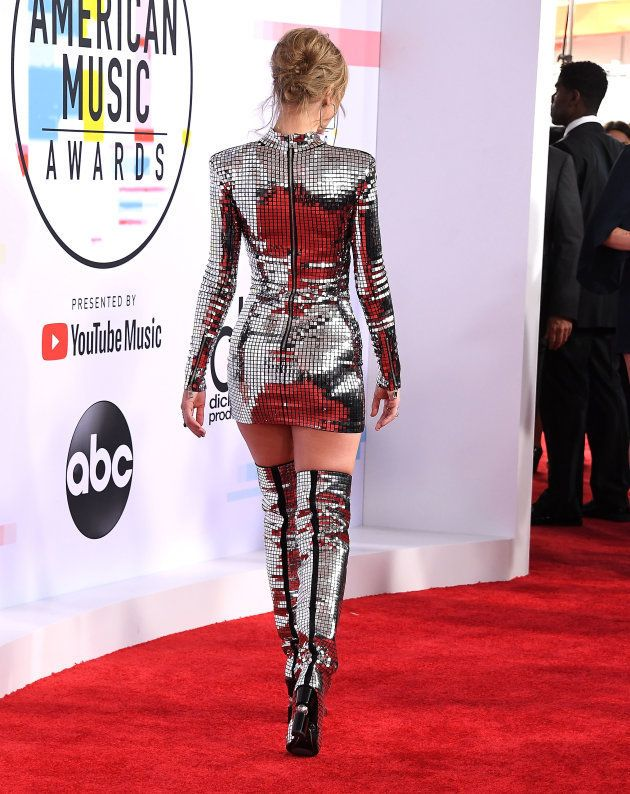 Taylor Swift aux American Music Awards 2018 en boule à