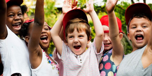Comment préparer son enfant pour une colonie de vacances (et comment savoir s'il est prêt).