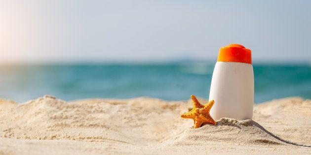 Certaines crèmes solaires polluent les océans, Hawaï veut les