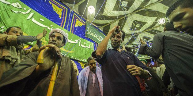 Carnage dans une mosquée en Égypte: qui sont les musulmans soufis, visés par