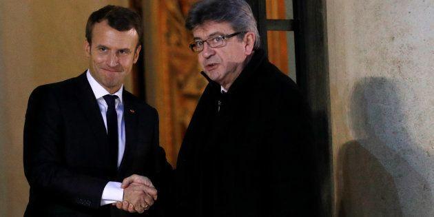 Macron et Mélenchon s'invectivent à 17.000 kilomètres l'un de