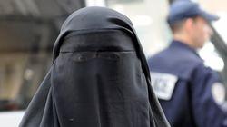L'interdiction de la burqa menacée par l'ONU, la droite voit