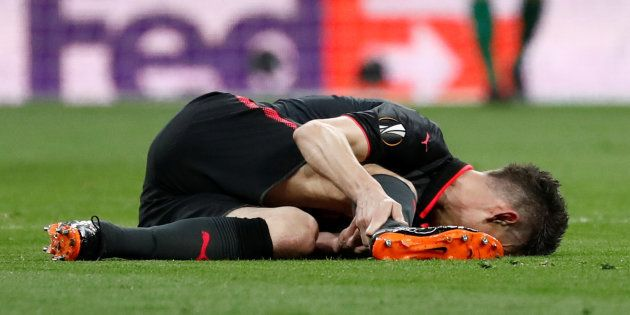 Laurent Koscielny après sa blessure lors d'Atlético Madrid-Arsenal le 3 mai