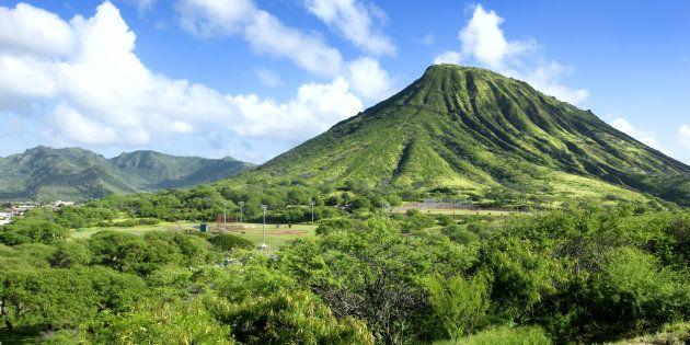 Des milliers d'habitants de Hawaï invités à se réfugier après une éruption volcanique (photo