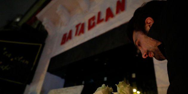 Novembre 2016, cérémonie de découverte de la plaque commémorative des 130 victimes des attentats de Paris...