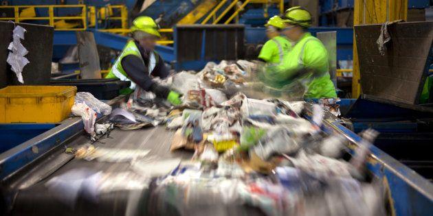 J'ai été ouvrier dans une usine de tri de déchets, voici ce qu'il s'y passe