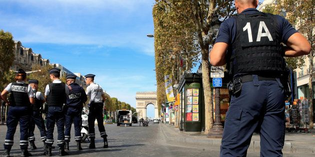Un garçon de 3 ans a été tué par un engin de chantier sur les Champs-Élysées à Paris le 12 octobre 2018...