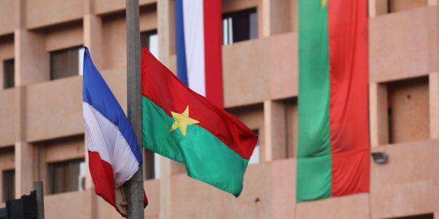 Visite de Macron au Burkina Faso: une grenade lancée contre des soldats français, 3 civils