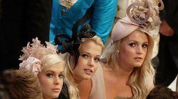 Pourquoi les Britanniques portent-elles d'aussi étranges chapeaux lors de mariages
