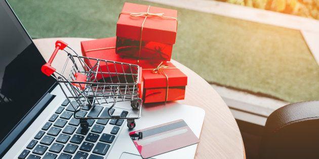 Cadeaux de Noël: Les Français ne se contentent plus de les revendre sur Le Bon Coin, ils les achètent