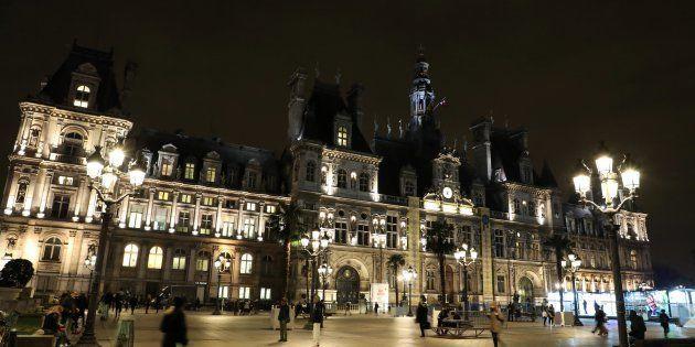 Paris va héberger des SDF dans des mairies, dont l'Hôtel de
