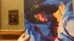 Cette fan de Lorde a exposé la pochette de son album au Louvre,