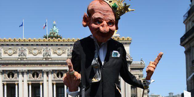 Une marionnette représentant le Président Emmanuel Macron lors du