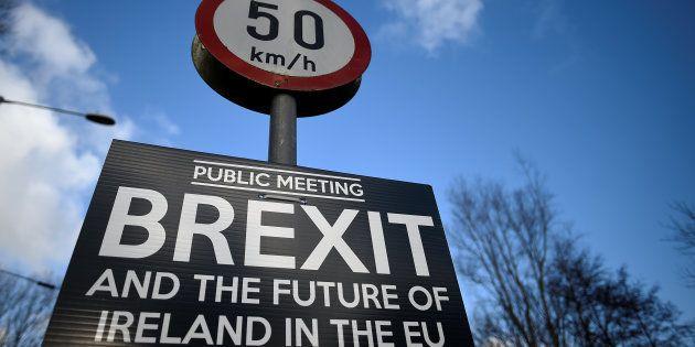 Pourquoi la frontière avec l'Irlande bloque le