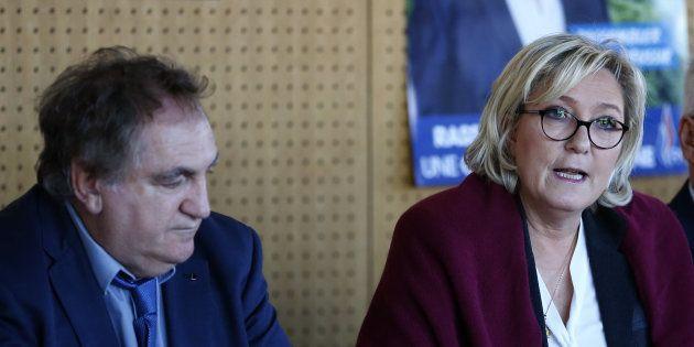 Charles Giacomi en compagnie de Marine Le Pen à Pruno, en