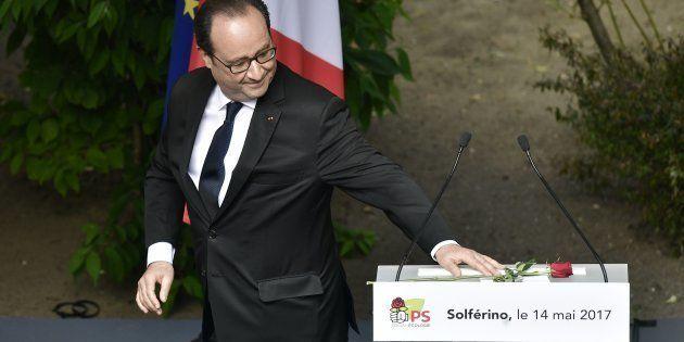 Pourquoi l'ombre de François Hollande planera forcément sur la refondation du Parti