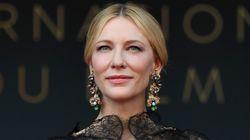 Cate Blanchett marque la première montée des marches cannoises avec un dos nu