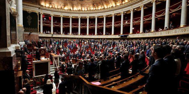 Plus de 1400 assistants parlementaires ont été licenciés après les