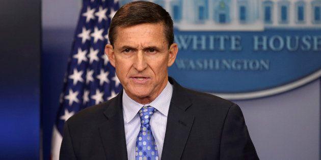 Michael Flynn, ancien conseiller de Trump, inculpé dans l'affaire