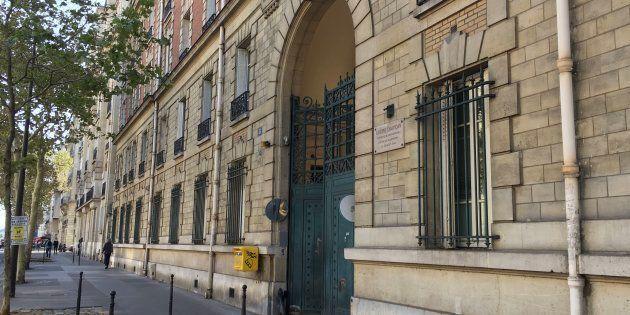 L'entre de l'ancienne caserne boulevard Exelmans, reconvertie en centre