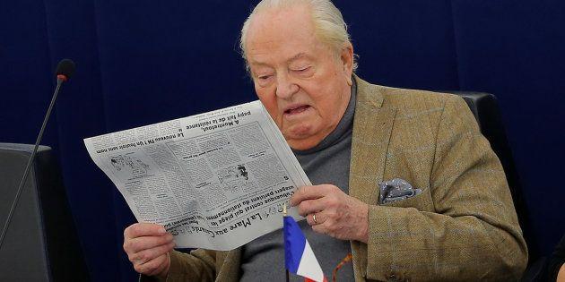 Jean-Marie Le Pen, ici au Parlement européen, se dit prêt à figurer sur la liste du Rassemblement national...