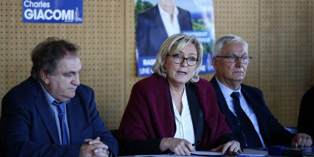 Marine Le Pen lors d'un déplacement de soutien en Corse au candidat FN Charles