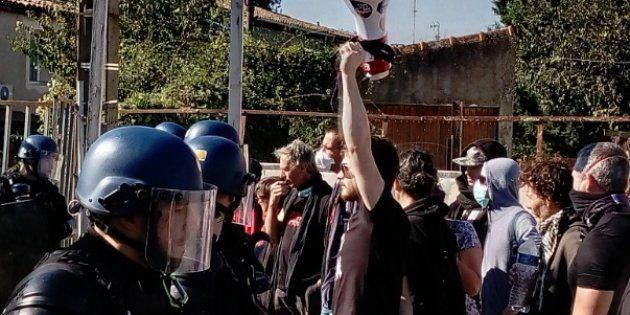 Manifestation anti-corrida sous haute tension pendant des mises à mort de jeunes taureaux dans le Gard...