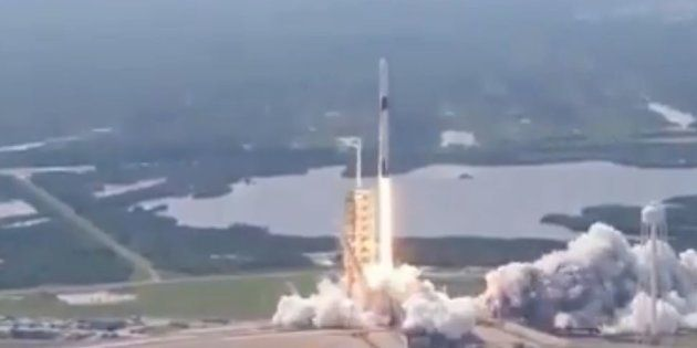 SpaceX réussit le lancement de