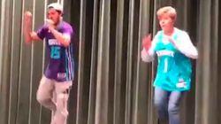 Cette mère et son fils ont complètement subjugué le public de ce spectacle de jeunes