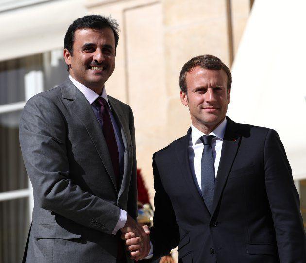 Emmanuel Macron au Qatar: quelle position pour la France en pleine crise du