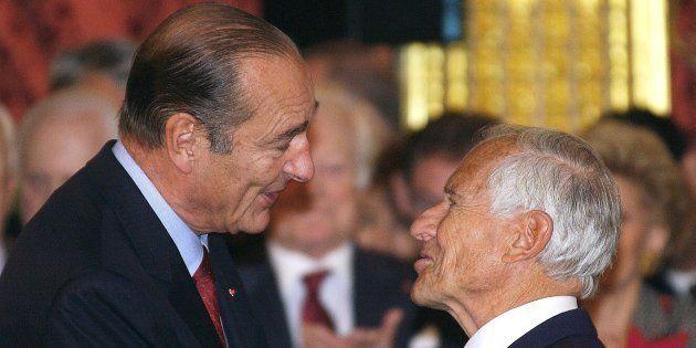 Jean D'Ormesson avec Jacques Chirac en 2002, après avoir reçu la médaille de grand officier de la Légion