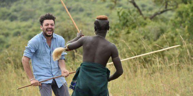 Ce mardi 5 décembre sur France 2, Kev Adams part à la rencontre des Suri en