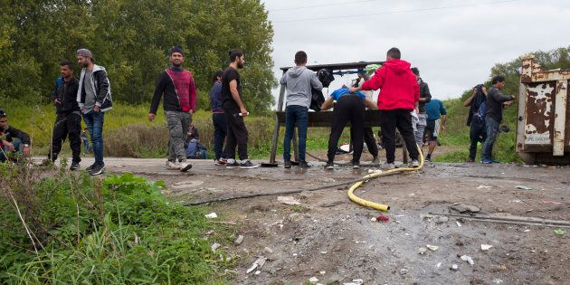 Des migrants du Kurdistan irakien au campement de Grande-Synthe, en septembre