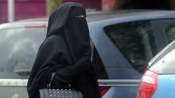 La Tunisie interdit le niqab dans les institutions