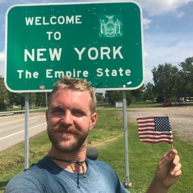 Jour 98 (1er septembre 2018, à la frontière entre la Pennsylvanie et l'État de New York): après environ 4 800 km parcourus en 98 jours à travers 12 États différents, Mike atteint enfin la dernière étape: sa région natale, l'État de New York.