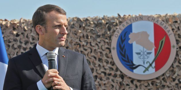 Au Qatar, Emmanuel Macron met les pieds dans le plat du financement du