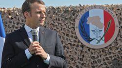 Au Qatar, Macron met les pieds dans le plat du financement du