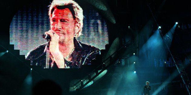Johnny chantait de tout son corps, de tout son être, nous donnait tout de